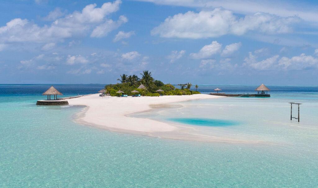 The small private island of Gulhifushi