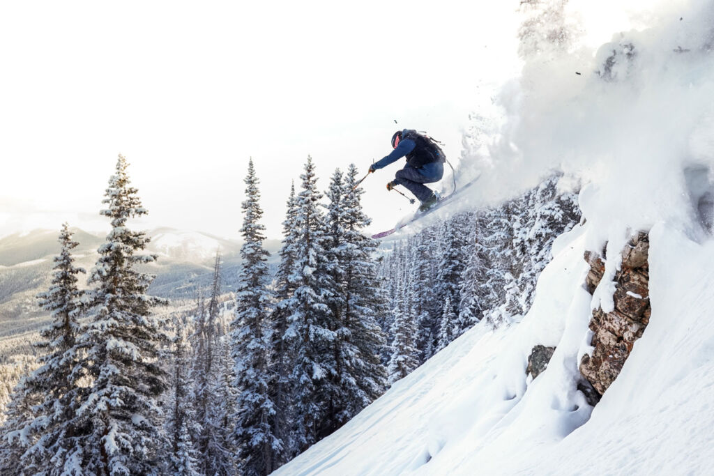 Skier enjoying the slopes on the Aspen Snowmass