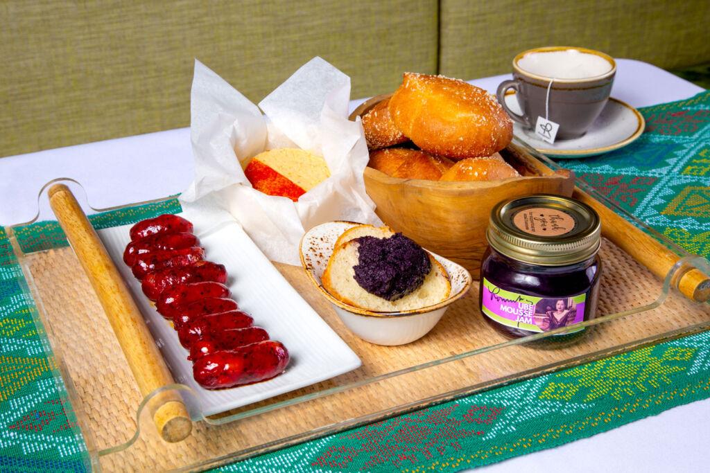Romulo Café & Restaurant breakfast box