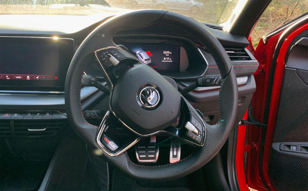 The Skoda Octavia iV VRs steering wheel and dashboard