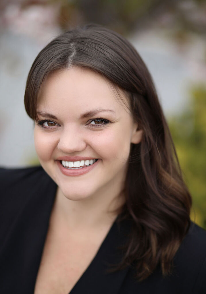 Headshot of motivational speaker Kirsty Hulse