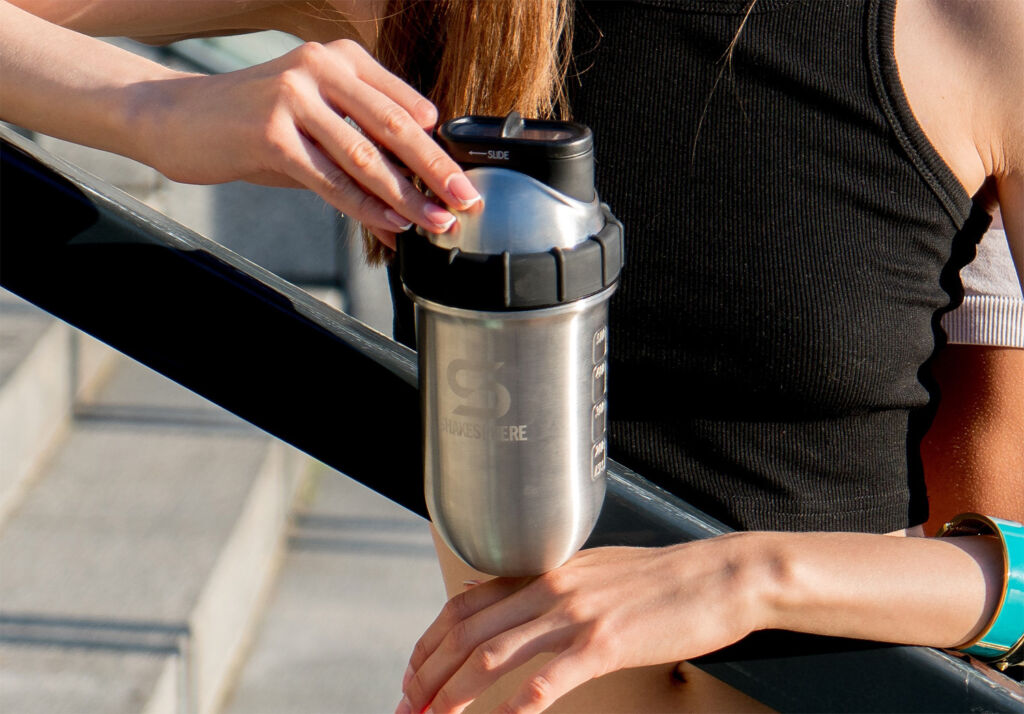 The ShakeSphere All-in-One Steel Tumblers Make Gym-Goers' Life Simpler