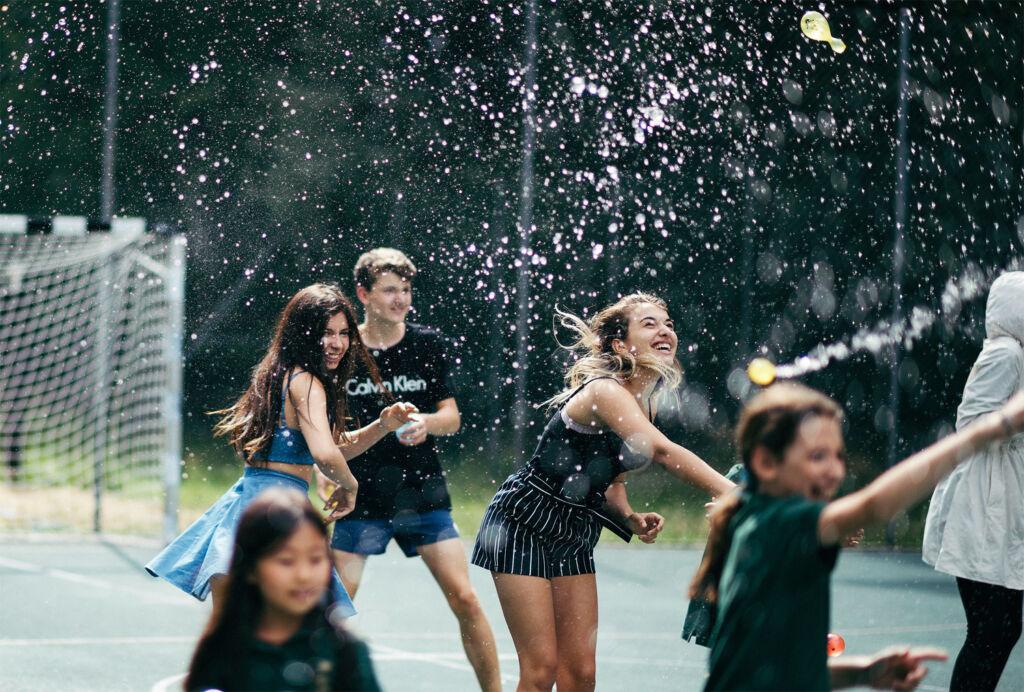Students having fun on the Institut auf dem Rosenberg Campus