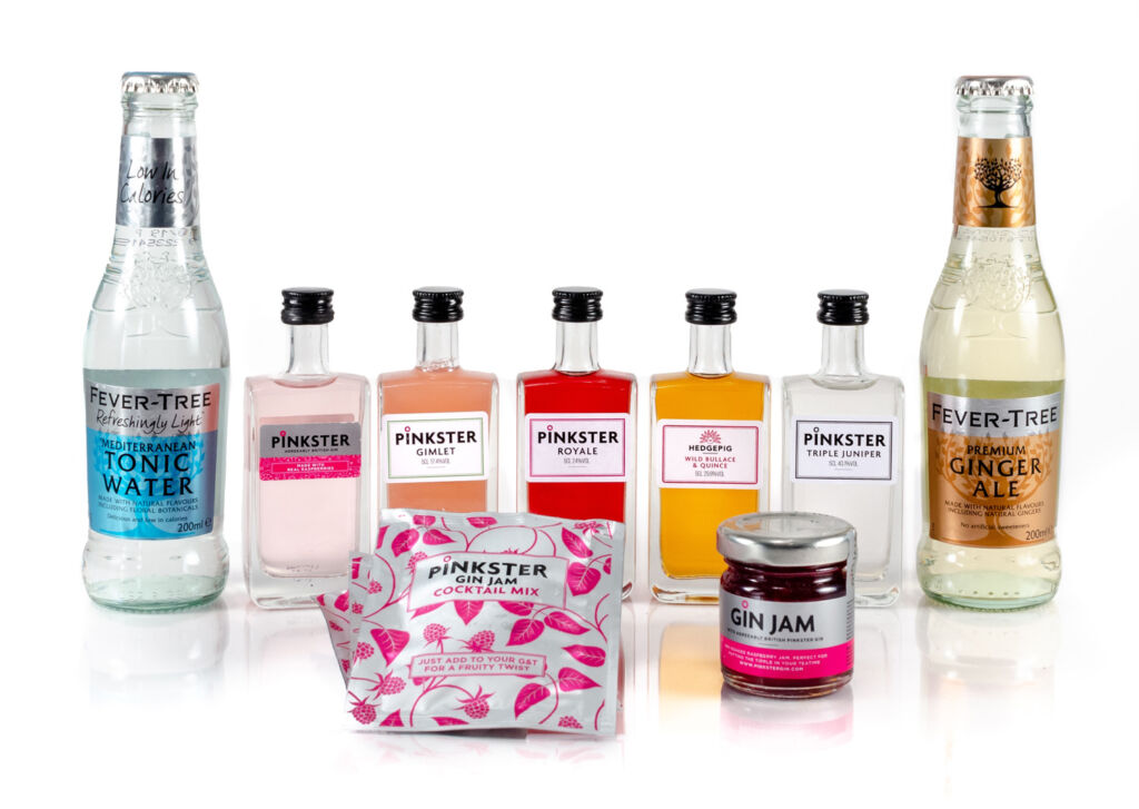 The items inside the Gin tasting kit for two