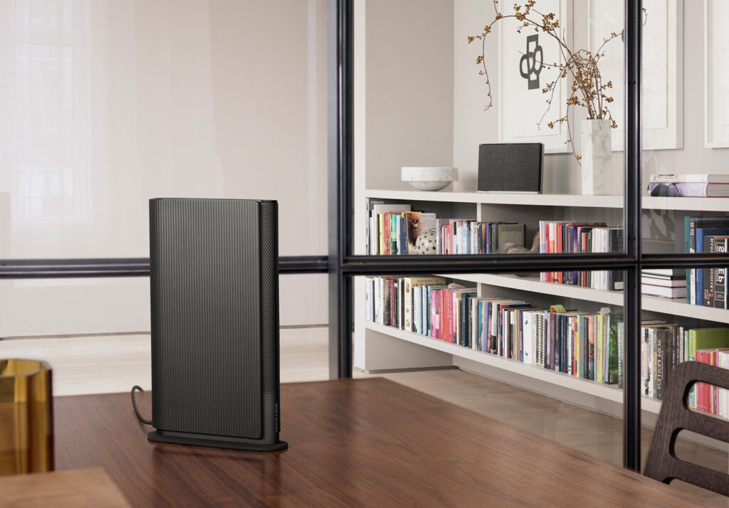 The Emerge speaker in Anthracite