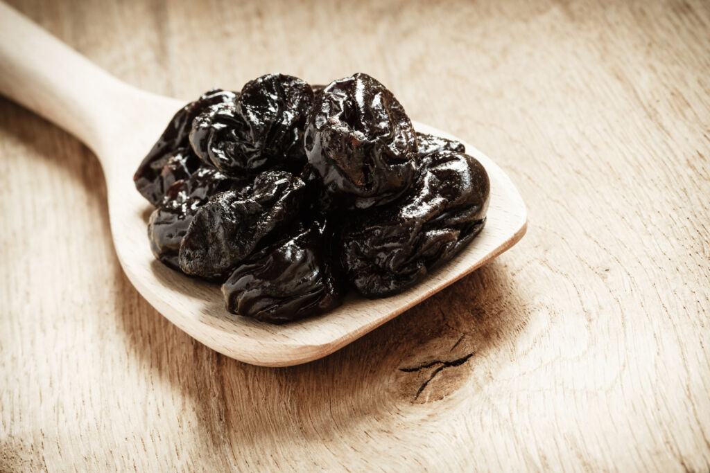 Some prunes on a spoon shows you how long you should spend in one!