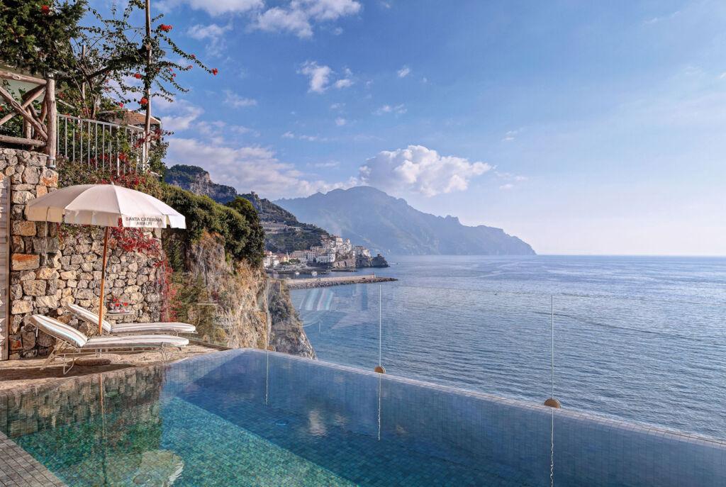 The infinity pool overlooking the sea