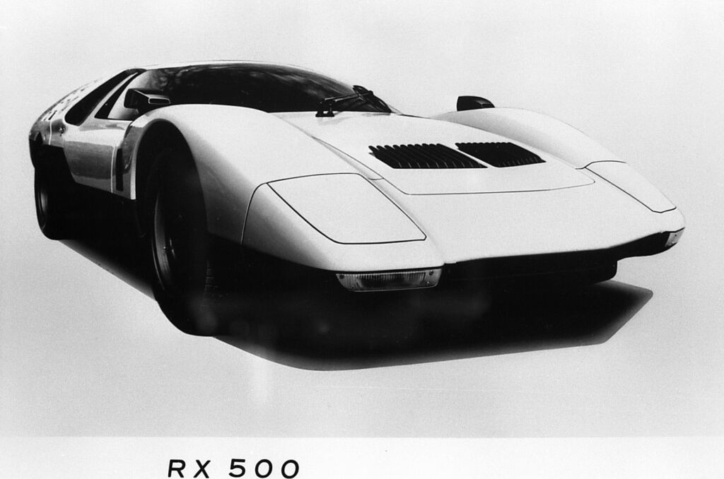 A design sketch of the car showing its incredibly sleek lines