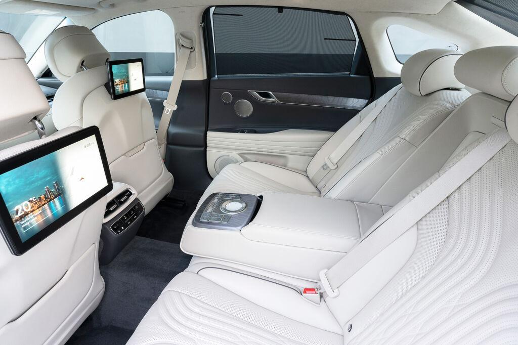 Rear passenger seats in the Genesis G80