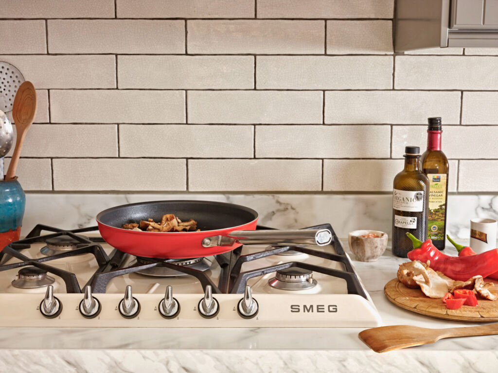 Smeg's New Cookware Range Brings Some Italian Flair into the Kitchen 3