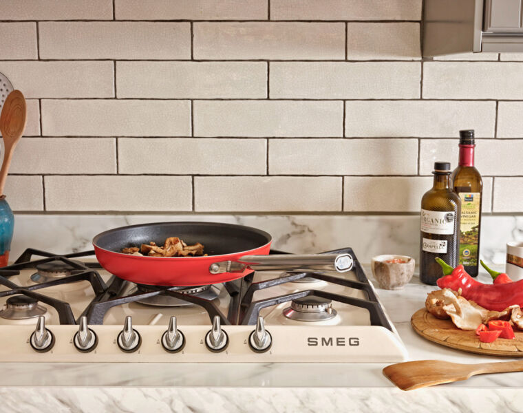 Smeg's New Cookware Range Brings Some Italian Flair into the Kitchen 1