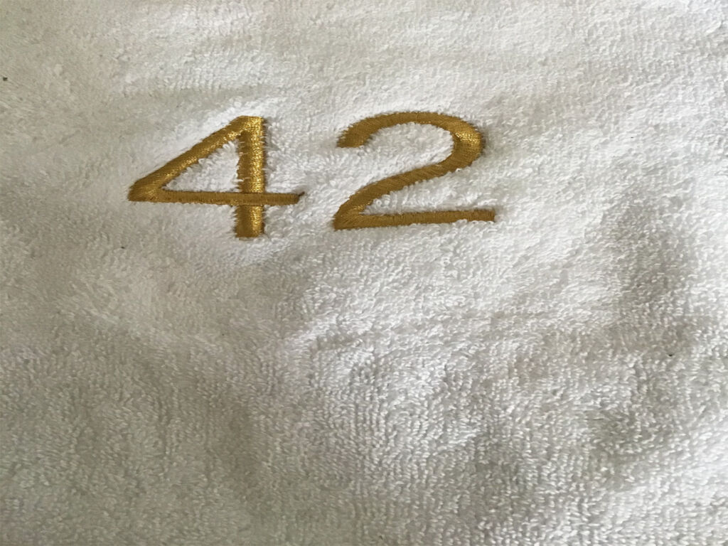 The Hitchhikers Guide to the Galaxy 42 towel