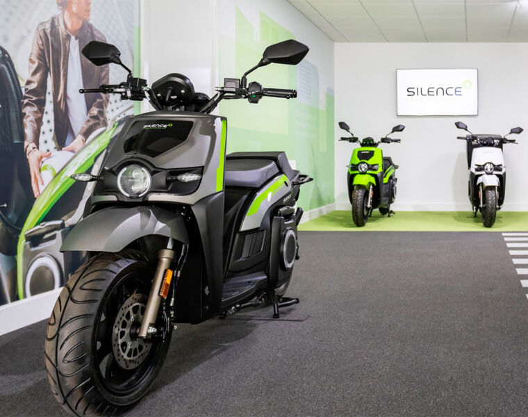 Silence UK Opens its First e-Moto Scooter Retail Store in Solihull 21