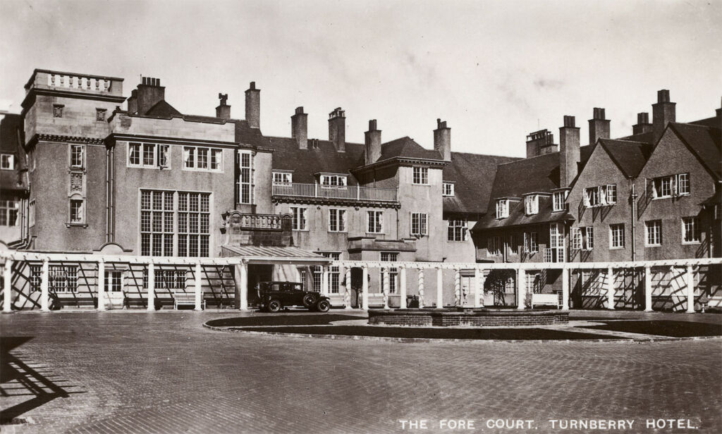 The fore court of the Tunberry hotel in the 1940s