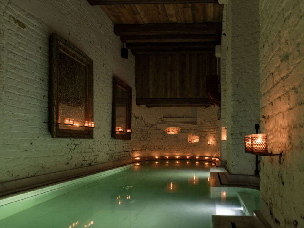 One of the baths lit by candles