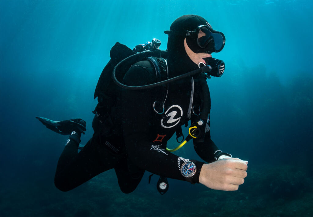 Greg Lecoeur diving with the Reservoir timepiece