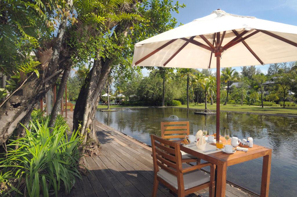 A waterside breakfast at The Sarojin