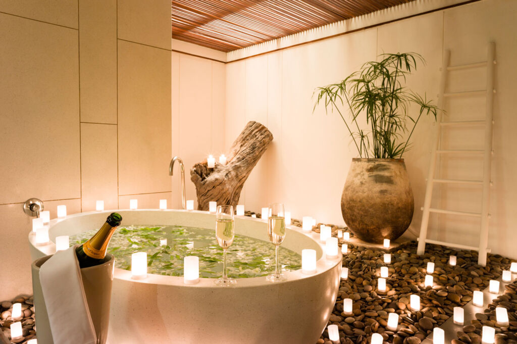 The luxurious bathroom in one of the pool residences