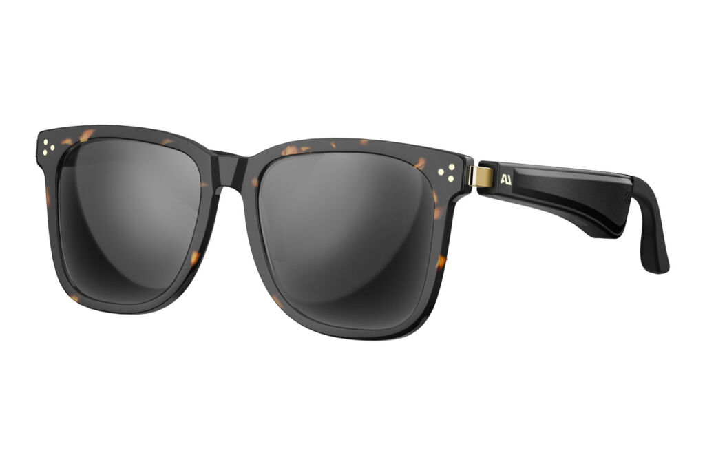 The tortoiseshell version of the audio sunglasses