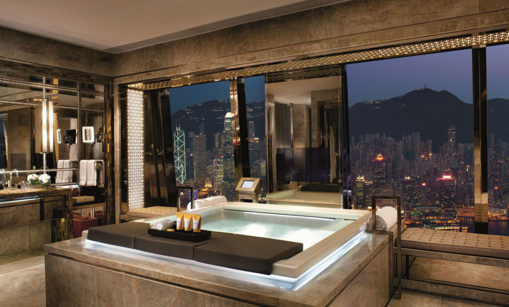 The Best place to take a bathroom selfie in the world is at the Ritz Carlton Hong Kong