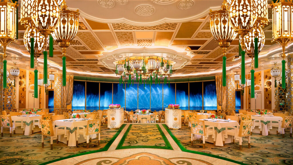 The magnificent dining area in the Wing Lei Palace at Wynn Palace
