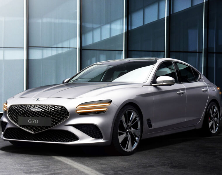 The Genesis G70 saloon with its Superman-crest-shaped front grille
