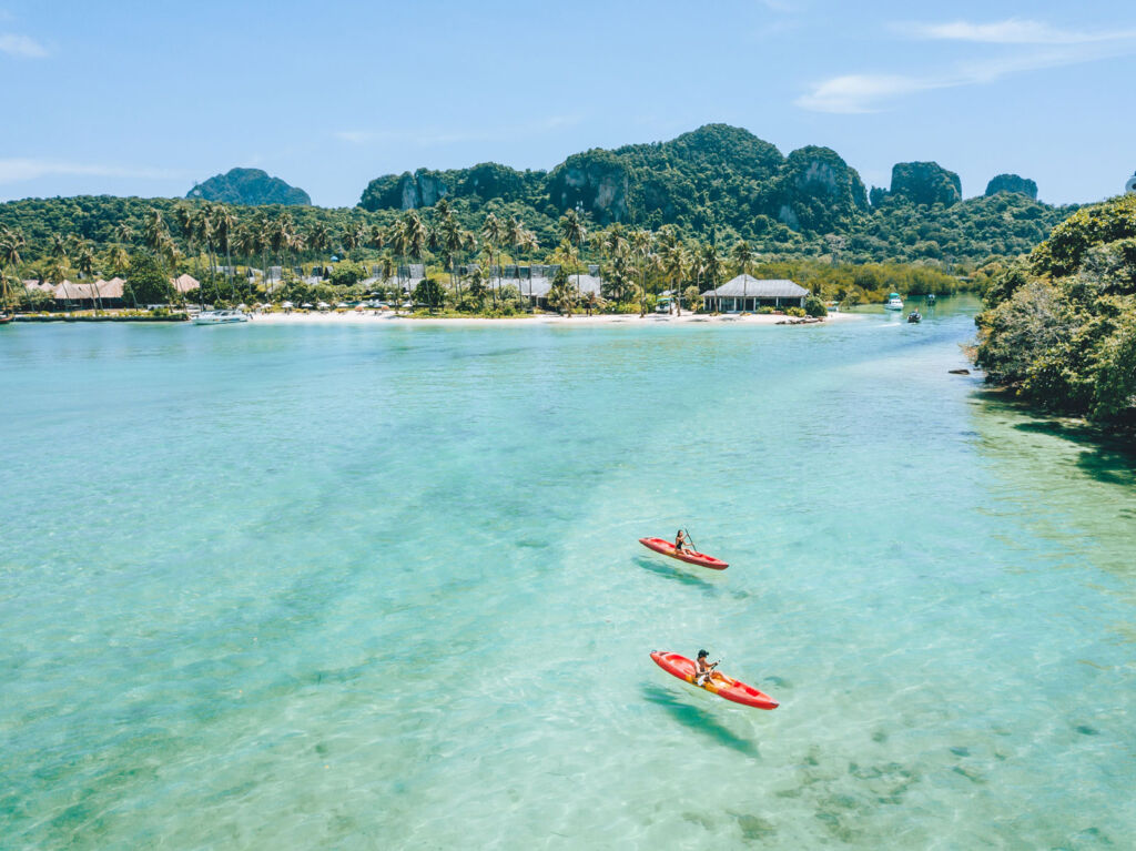 SAii Phi Phi Island Village is a haven of tranquility, set among lush greenery with an 800-metre-long stretch of beach