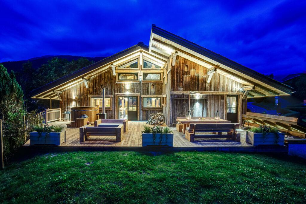 VOZA Transforms Former Farmhouse into a Spectacular Alpine Chalet