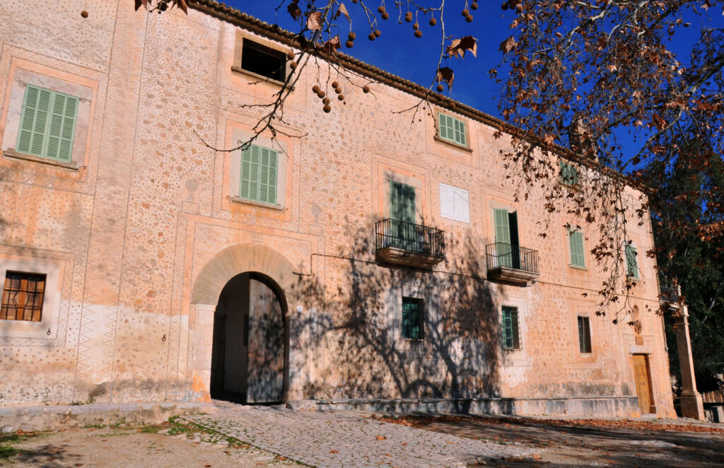 One of the historical buildings in Finca Galatzó