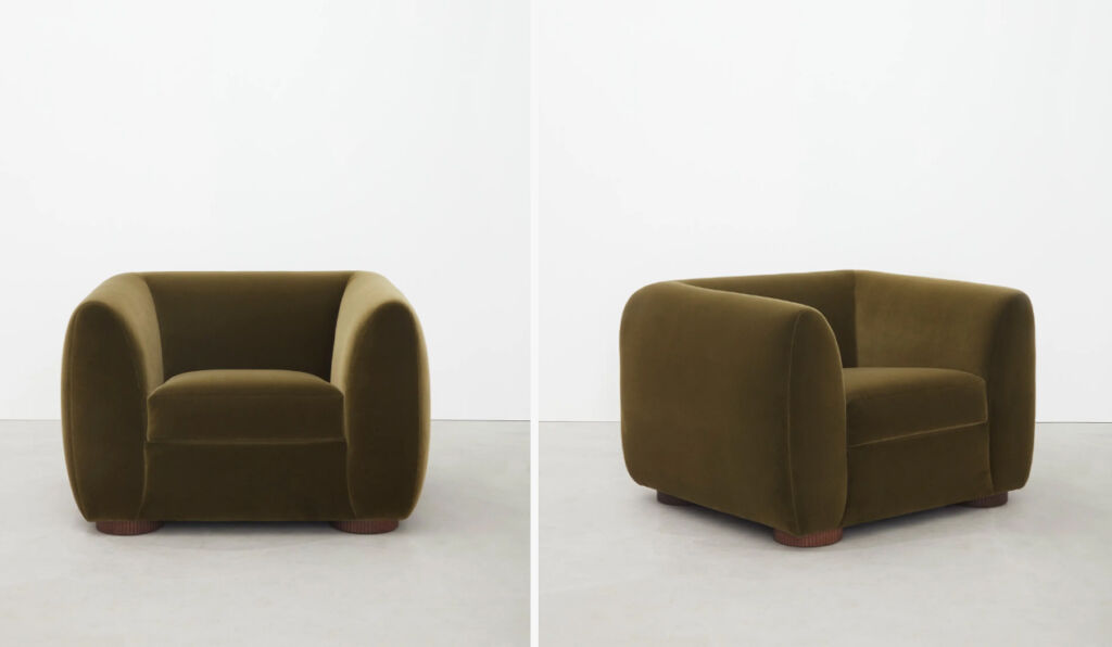 The curved armchair from the Sennen collection