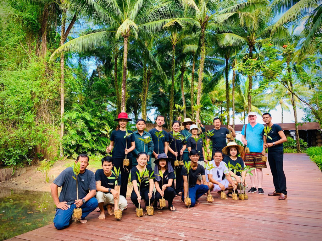 Guests and the Sarojin team helping the local community