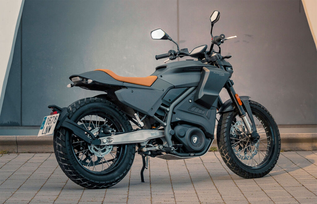 A side view of this very attractive looking electric motorcycle
